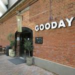 グッデイズベーカリー - お店が入っているGoodays Department外観