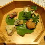 かま田 - ⑤八寸 水無月豆腐、手毬寿司、つばす山椒煮、阿波牛アスパラ巻、枝豆湯葉和え