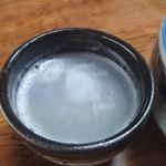 52434493 - 蕎麦湯、湯のみで提供♪ 妙に美味しかったです(笑)