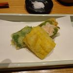 かま田 - ⑤揚物 万願寺とうがらし海老仕込み揚げ、とうもろこしの天ぷら、生麩天ぷら