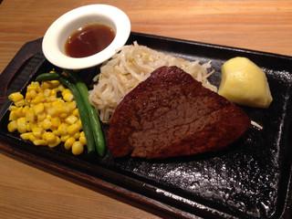 ステーキハウス牛和鹿 - 100g和牛シャトーブリアン ¥3,950