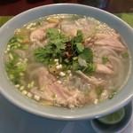 Dee アジアン食材・キッチン - フォー(鶏)