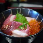 北かつまぐろ屋 - 料理写真:店長のおまかせ丼~☆
