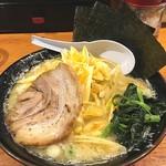 横浜家系ラーメン 檜家 - 豚骨塩ラーメンにねぎトッピング‼️ 前に来た時より美味くなった気がする(^^