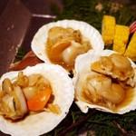 海鮮個室居酒屋 魚久 - 焼き物:帆立のバター醤油