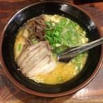 一竜 - 味噌豚骨ラーメン(カタ)