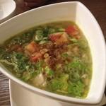 カフェ ビンタン - soto ayamu(チキンスープ)