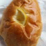 パン工房juin - 料理写真:さわやかレモンあんぱん 表