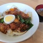 北京 - 咕咾肉丼 880円