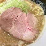 麺屋りゅう - 背脂煮干しそば(鯵煮干しベース)(アップ)