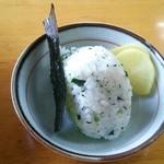 麺屋 晴レ - おむすび(若葉わかめ):100円