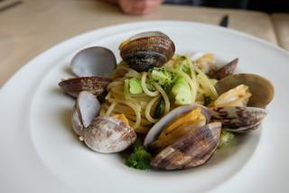 リストランテ ステファノ - アサリとブロッコリーのバジル風味スパゲッティ