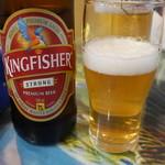 52466594 - キングフィッシャーと生ビール。