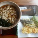 大村庵 - 料理写真:天ぷらそば(900円)