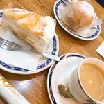 アンドリアン - 丸ごとももケーキともものショートケーキで一休み!