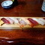 栗崎屋 - 料理写真:ランチ10貫握り1,100円