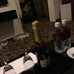 メルキュールホテル - お祝いシャンパン♪