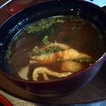 魚庵すし若 - 赤だしは、葱と山椒がきいてて美味しい♪