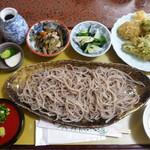 いきいき手打そば・しげ - 料理写真:もりそばと季節の野菜の天ぷら