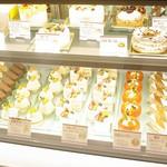 山のホテル ボン・ ロザージュ - 季節によって変わるケーキ。相模大野店や本厚木店で販売しております。