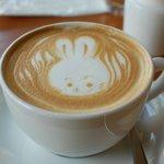 トートコーヒー - ドリンク写真:カフェラテ