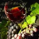 和菜亭 次郎丸 - 赤グラスと葡萄