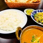 ヒマラヤレストラン&バー - ランチ ナス入りキーマカリー