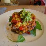 bills - スイートコーンフリッターw/ ローストトマト、ほうれん草、ベーコン、アヴォカドサルサ