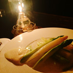 シャンタ ムール - グリーンアスパラガスもホワイトアスパラガスのサラダ