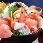 海鮮蔵 魚魚魚 - 季節のおまかせ海鮮丼
