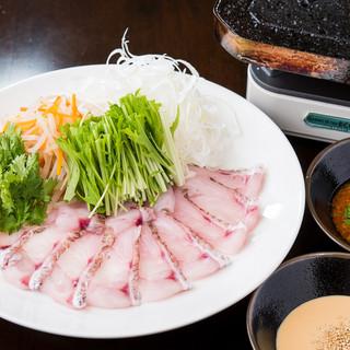 Gochiオリジナル料理のどぐろの溶岩焼きしゃぶ