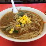 梅華楼 - 味噌ラーメン  710円