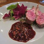 モンプチコションローズ - 28年6月 羊肉ロースト 赤ワインともろみソース