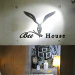 BEE HOUSE -