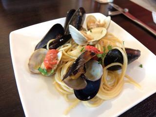 サン ジョルジョ - 201605 浅利と蛤とムール貝のフレッシュトマトソースのスパゲッティ