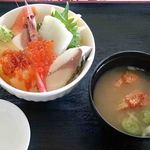 52499373 - 海鮮丼セット