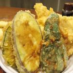 博多天ぷら たかお - 穴子の他は、鶏ささみ・なす・かぼちゃ・ピーマンの天ぷら。