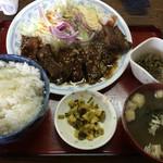 松の家 - 牛バラ焼き定食