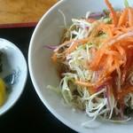 レストラン 北山 - 野菜サラダと漬け物