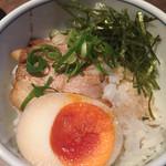 麺処 みろく家 - チャーシュー丼