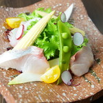 Dining TABI - 海鮮サラダ