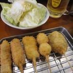 52514471 - ウインナー・イカ・牛カツ・うずら・椎茸の5本