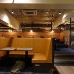シブヤ ボウリング カフェ - 店内