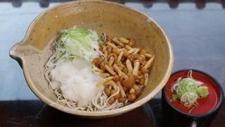蕎麦ダイニング赤坂 - なめこおろしそば