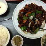 珍味苑 - 料理写真:黒酢酢豚セット