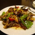 東方楼 - 牛肉とピーマン炒め物