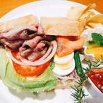 マーマレードカフェ - グルメサンドイッチ ローストビーフサンド&スモークサーモンサンド/スープ/セットドリンク