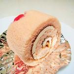 サフラン洋菓子店 - チェリーロール。250円