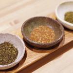 175°DENO〜担担麺〜 - オプションの花椒三種盛り