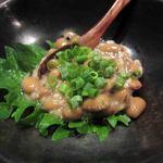 和 てじまぅる 酒菜 角萬 山形庄内と平牧豚料理 - 塩納豆